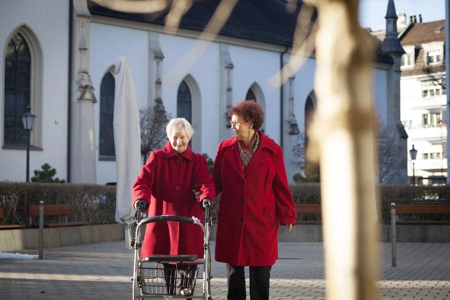 Sich Zeit nehmen für ältere Menschen