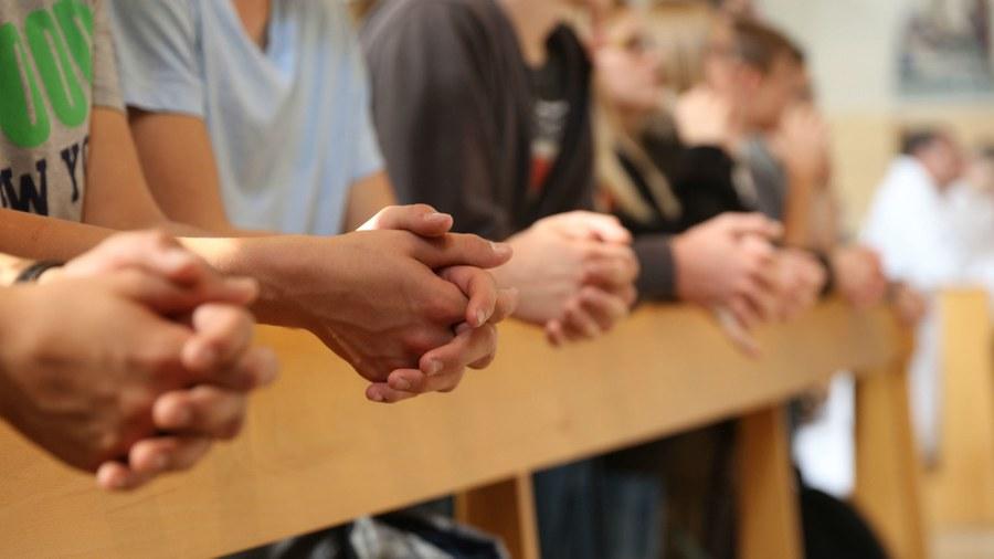 Betende Hände. Foto: Fachstelle Jugend bl.bs