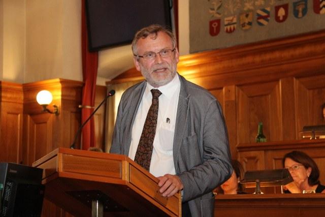 Christoph Sigrist sprach vor der Synode. Foto: Simonn Spengler