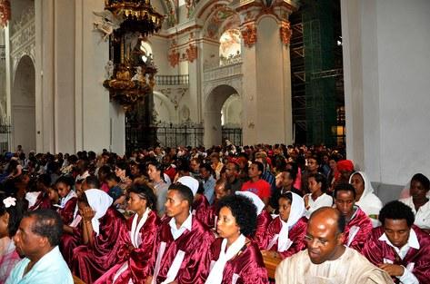 Afrikanische Wallfahrt: Gottesdienst in der Klosterkirche
