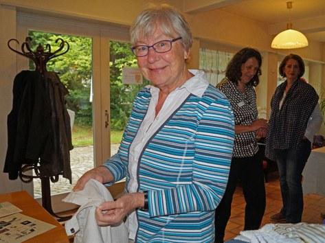 Katharina L. aus Rüschlikon liess den Reissverschluss ihrer Hose flicken.