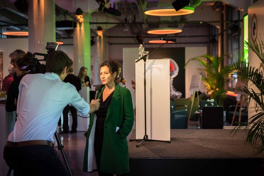 Schauspielerin Delia Mayer im Interview