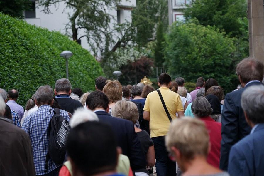 Fronleichnamsprozession (2)_Bischofsjubiläum_FOTO_Arnold Landtwing