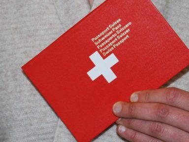 Wem die Schweiz Heimat ist, soll einen Schweizer Pass tragen dürfen