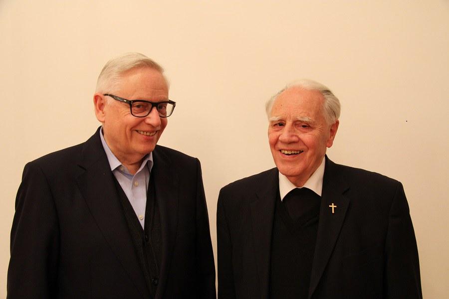 Weihbischöfe Paul Vollmar und Peter Henrici. Foto: Arnold Landtwing