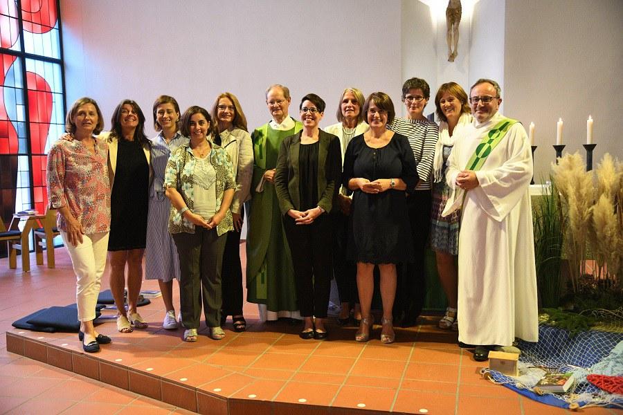 Feierliche Übergabe der Fachausweise Katechetin ForModula an 10 Frauen