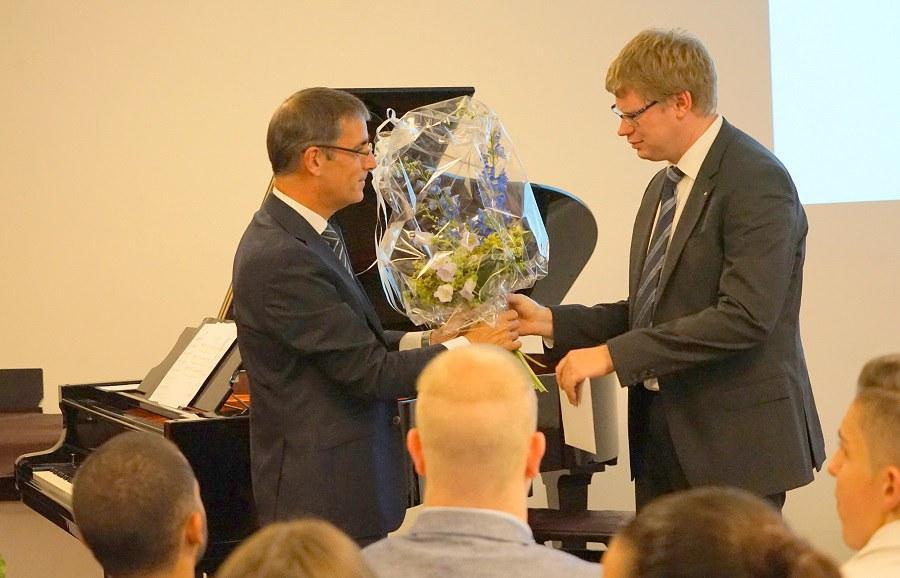 Der Präsident der FKSZ verabschiedet Rektor Martin von Ostheim FOTO_Arnold Landtwing