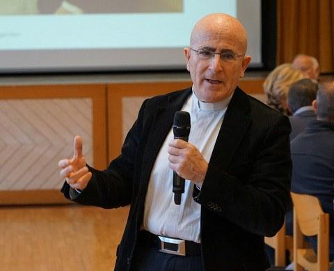 «Wer nicht unterscheidet, scheitert»: Offizial Joseph Bonnemain zu «Amoris Laetitia»