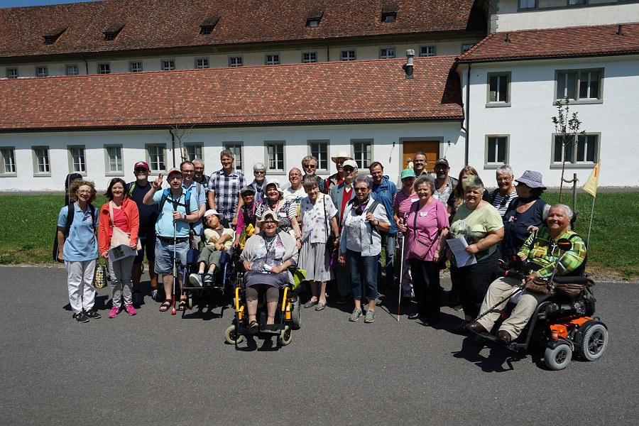 So gross wie noch nie zuvor: Die Pilgergruppe der Behindertenseelsorge_FOTO_Arnold Landtwing