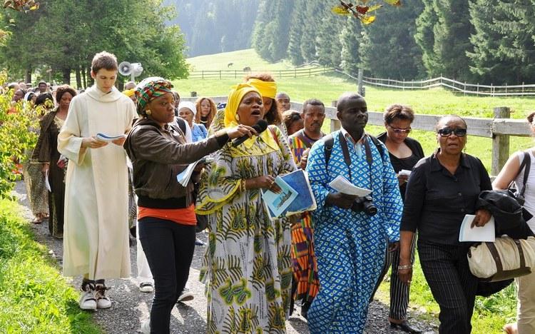 Afrikanische Wallfahrt zur schwarzen Madonna
