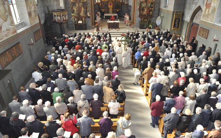 Kirchen-Statistik 2017: Zahlen und Interpretationen