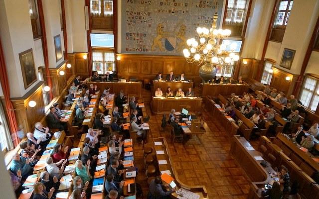 Synode wählt und finanziert katholische Institutionen