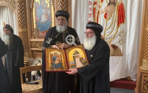 Kopten-Papst Anba Tawadros II. weiht in Lindau Kirche ein