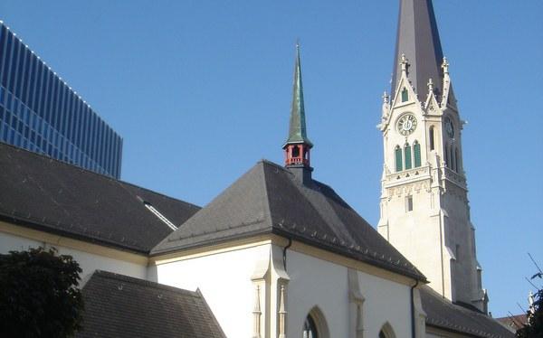Singen und beten in Zürichs katholischer Mutterkirche