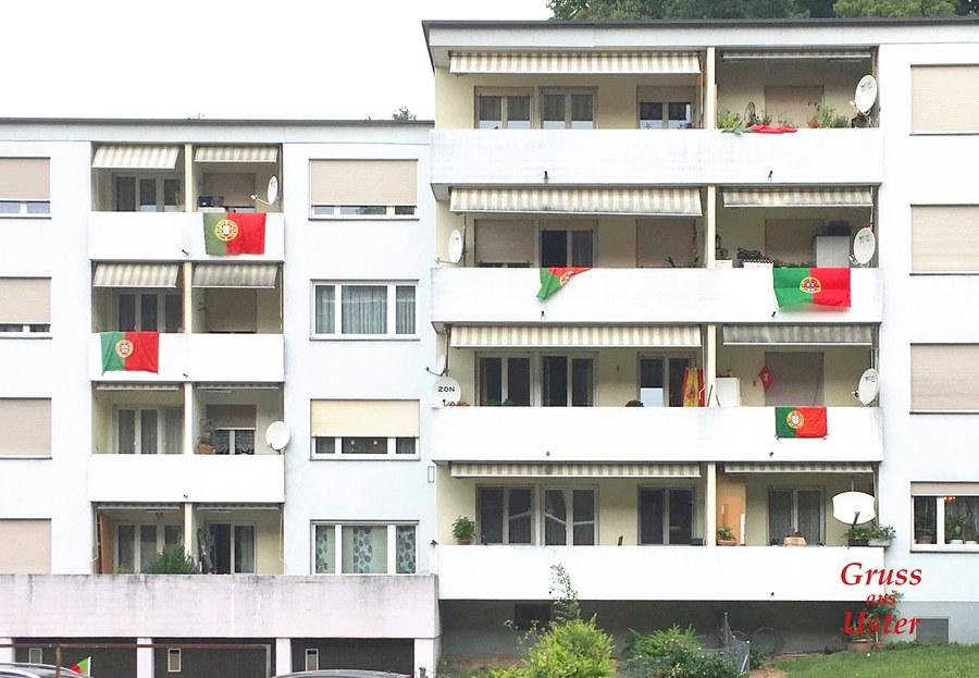 Farbige Präsenz der portugiesischen Kommune in Uster. Foto: Kaspar Thalmann
