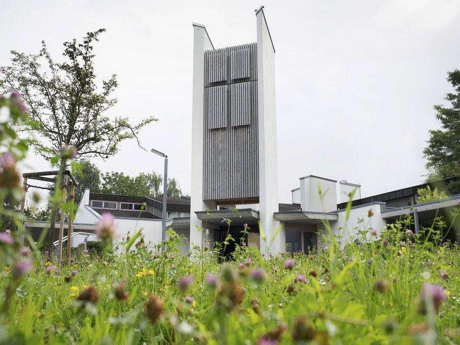 Pfarrei Dübendorf mit Umweltzertifikat Grüner Güggel. Foto: Christoph Wider