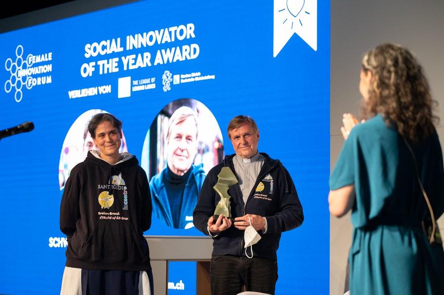 Grosse Freude über den Preis. Foto: Female Innovation Forum/Tomek Gola