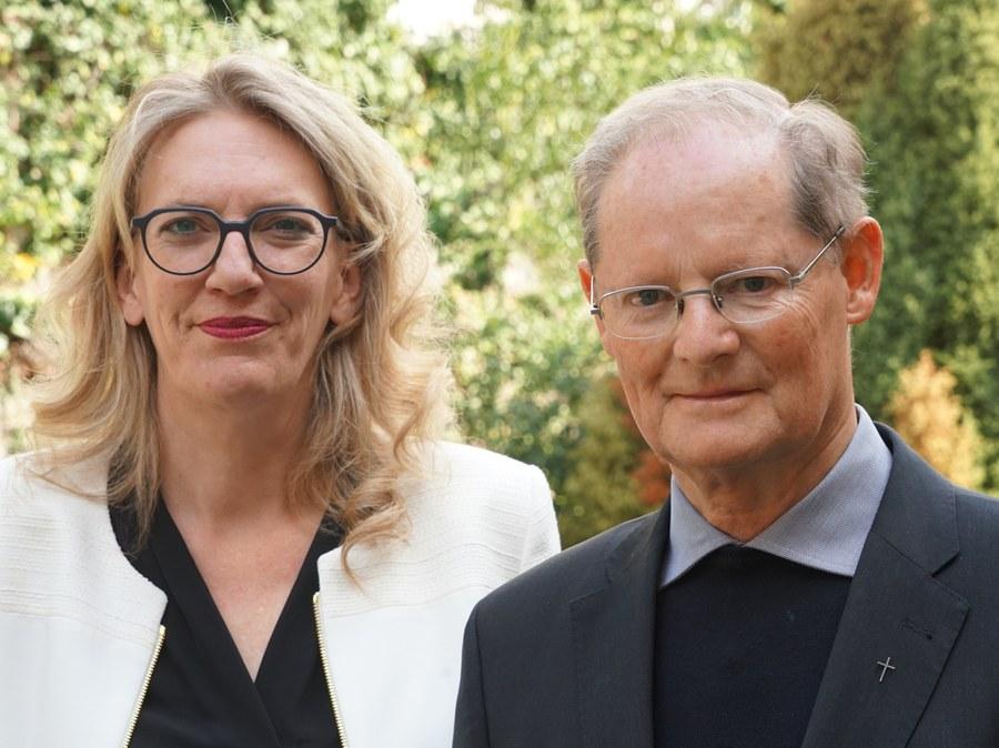 Franziska Driessen-Reding und Generalvikar Josef Annen_(2)_FOTO_Arnold Landtwing.JPG