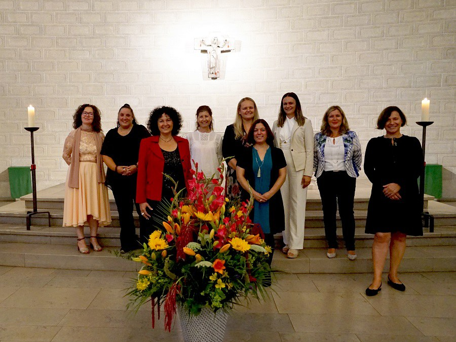 Diplomfeier FaRP_2021 Neue Katechetinnen und das Team FaRP