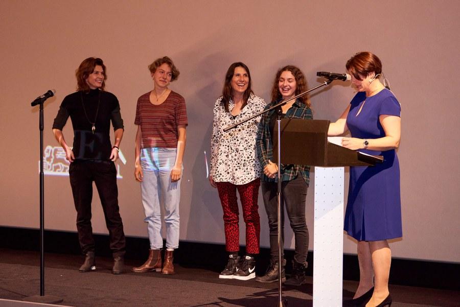 """von links: Regisseurin Karin Heberlein, Schauspielerin Anja Gada, Produzentin Claudia Wikc und Schauspielerin Jana Sekulovska von """"Sami, Joe und ich"""""""