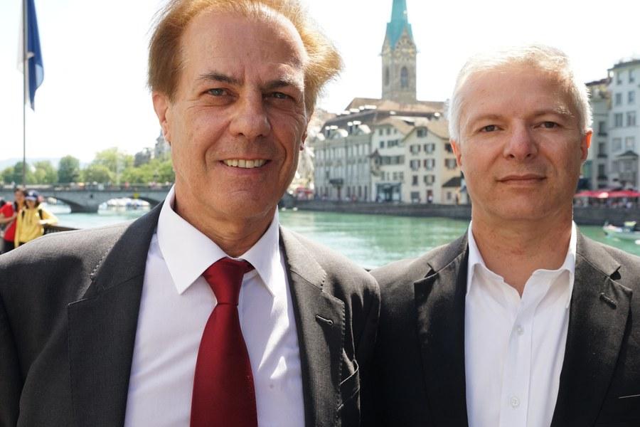 Der neue Synodenpräsident Felix Caduff mit Vize Salvino Taparelli. Foto: Aschi Rutz