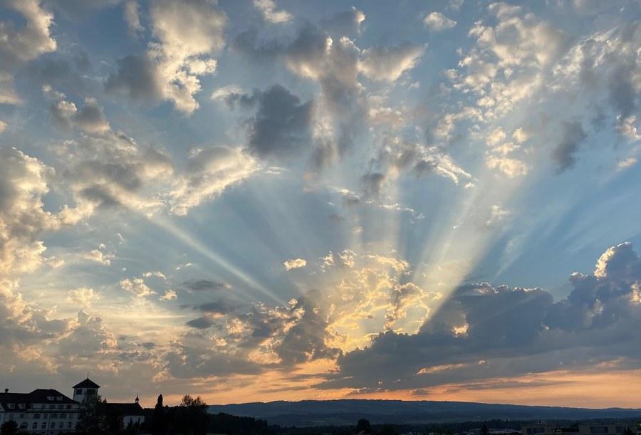 Gottes Lichtblicke in diesen schwierigen, traurigen Zeiten von Corona (Erja Wüthrich) Copyright: Fachstelle Religionspädagogik ZH