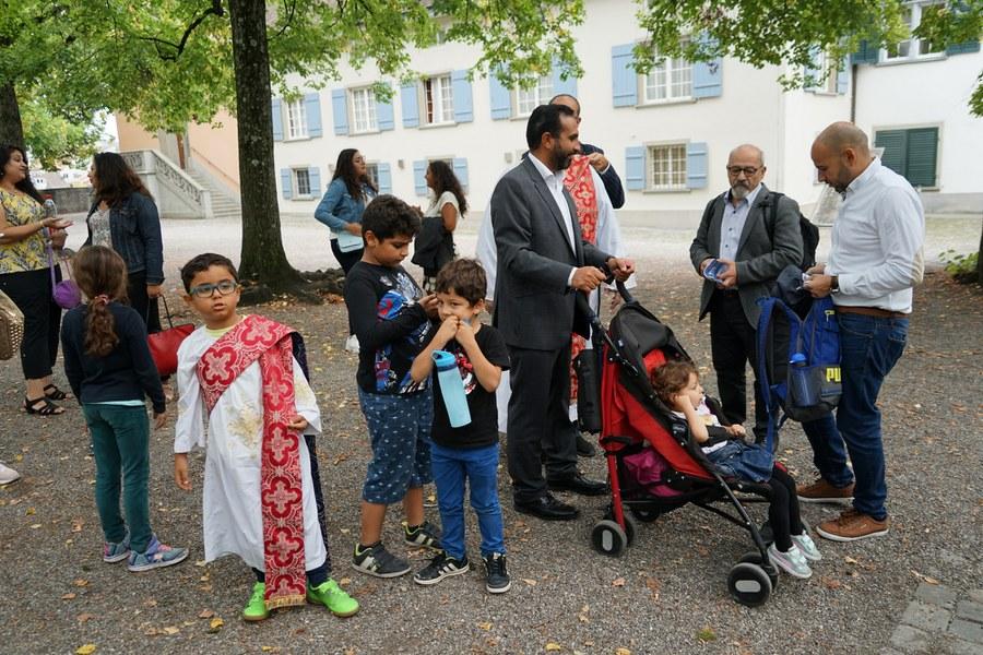 Prozession: Die ganze Familie ist mit dabei_FOTO_Arnold Landtwing