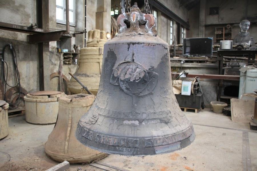Glocke für St. Michael Dietlikon im Rohguss.jpg