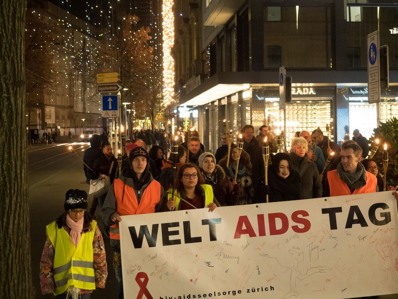 Umzug der Aidsseelsorge zum Weltaidstag